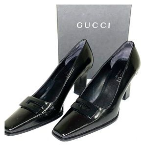 Gucci Leather Shoes in Black